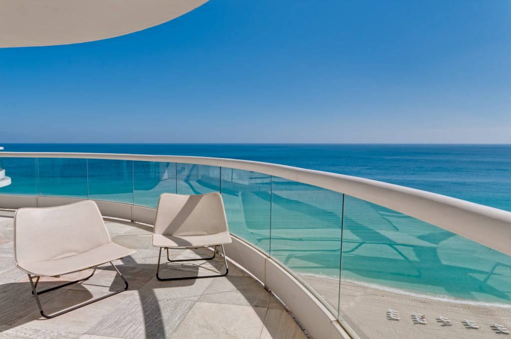 beach condo, condos for sale, oceanfront condos, best deals on condos, real estate agent in sarasota