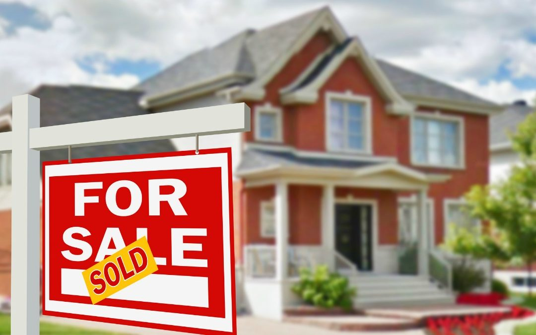 Selling House Checklist: 5 Things to Do Before Putting Your House on the Market