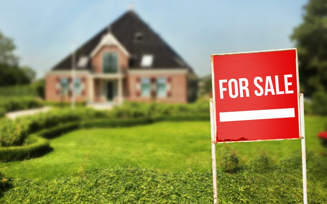 9 Tips for Selling Your Home So Buyers Will Be Lining Up At Your Front Door