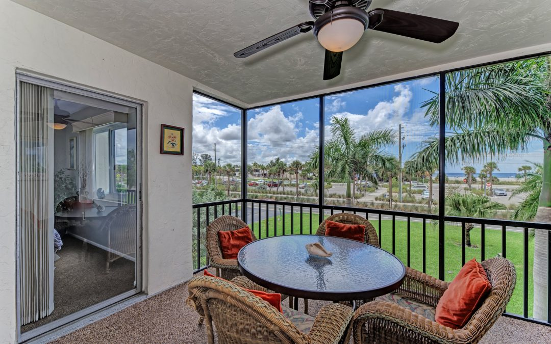 Just Listed: 2 bedroom condo directly across from Siesta Key beach