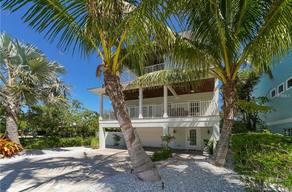 CLOSED: Holmes Beach 4 Bedroom Home, Steps Away From Anna Maria Island Beach!