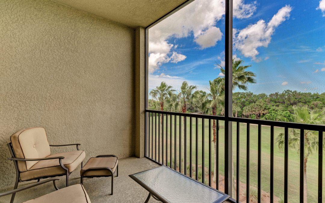 New Listing! Move in Ready 2 Bedroom Golf Community Condo for $185,000!