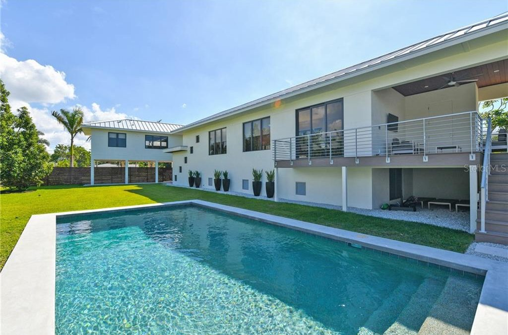 SOLD! Country Club Shores home for $1,480,000